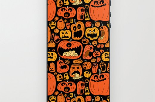 Skin Your iPhone With Pumpkin Pattern