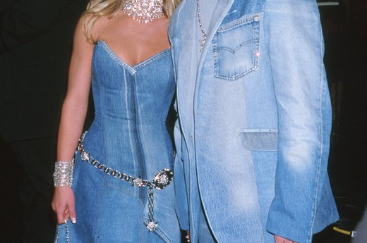 Britney Spears and Justin Timberlake, 2001 American Music Awards