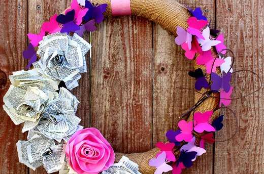 The Loveliest Valentine's Day Wreath to Make