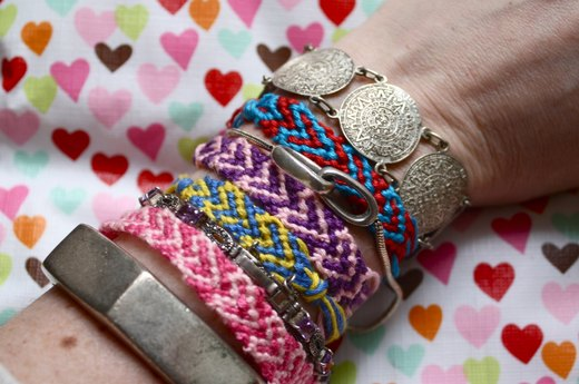 How to Do a Heart Design for a Friendship Bracelet