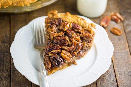 Classic Homemade Pecan Pie