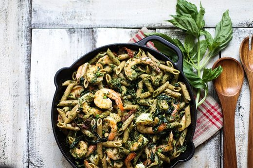 One-Pot Whole Wheat Shrimp Pesto Pasta
