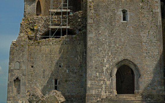 Cashel inspired a pattern of Ireland's famous Waterford Crystal.