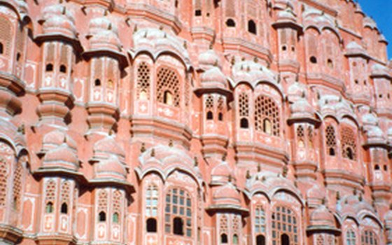 Catch the sights of Jaipur near Agra
