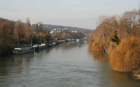 Choose a barge hotel on the Seine to save money.