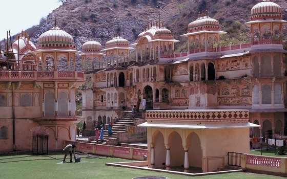 The red-washed buildings of Jaipur are an architectural treasure trove.