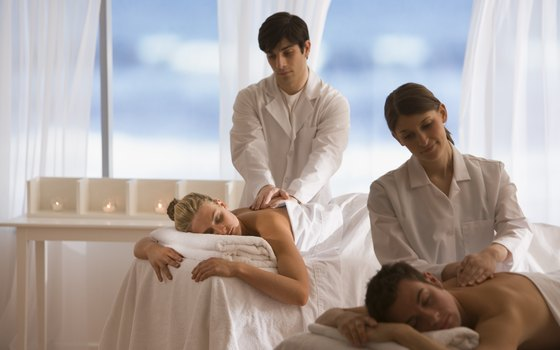 Winter vacation ideas for couples around chicago usa today for Spa weekend getaway chicago