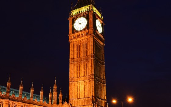 By personalizing your itinerary, you can see London's sights lit up at night.