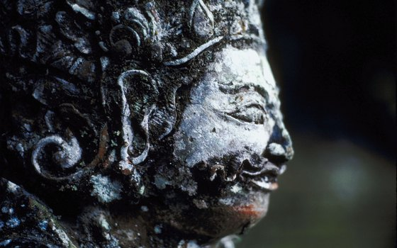 In addition the to numerous temples, carved statues Hindi gods adorn nearly every street corner.