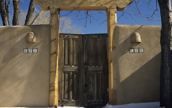 The adobe architecture of Santa Fe is just hours from Texas's western border.