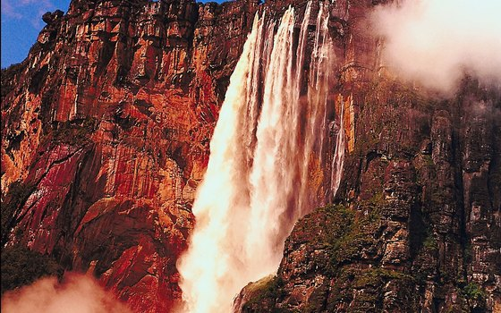 Salto Angel is the largest waterfall on Earth.