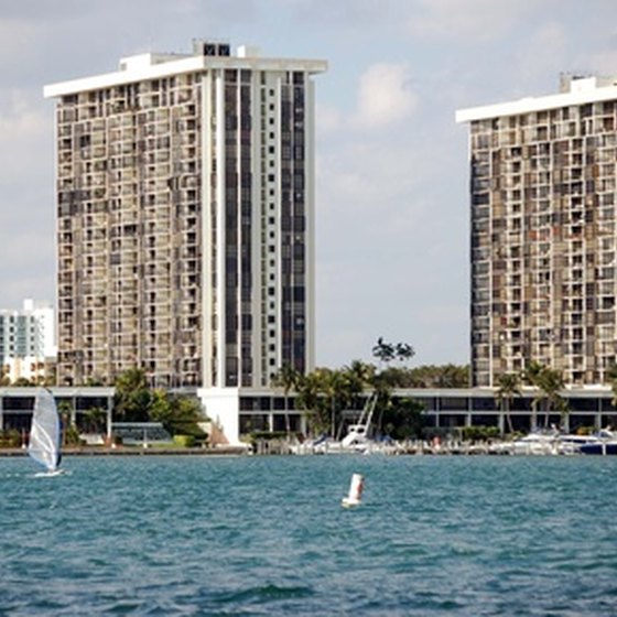 Several hotels in Miami offer free shuttles to the airport and the Port of Miami.