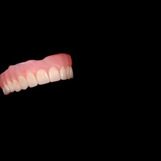 A partial or complete denture can be constructed for the upper jaw.