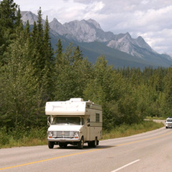 Honeymoon Destinations Rocky Mountains: Getaway Tips - Azcentral.com