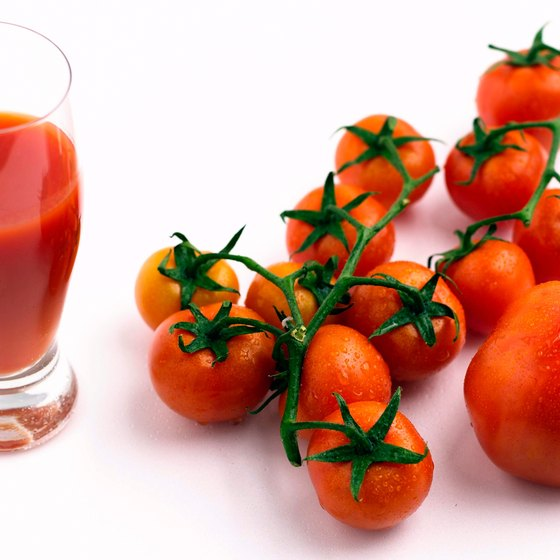 Fresh tomato juice nourishes your tissues, prevents disease and offers a low-sodium alternative to canned or bottled juice.