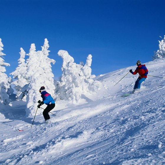 Washington State has many opportunities for winter activities like skiing.