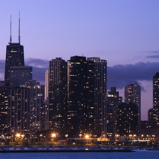 You'll find the best travel and hotel deals during Chicago's winter season.