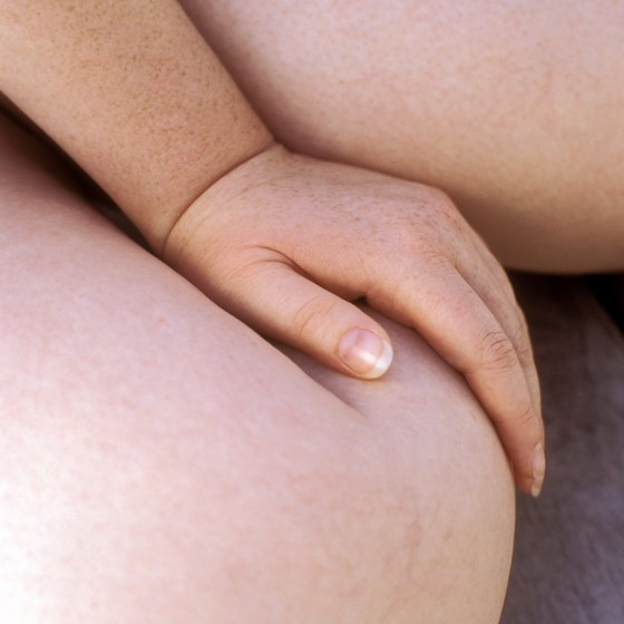 Excess fat around the knee can be embarrassing and uncomfortable.