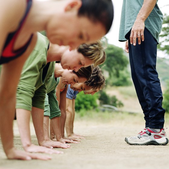 Outdoor boot camps incorporate basic exercises such as pushups.