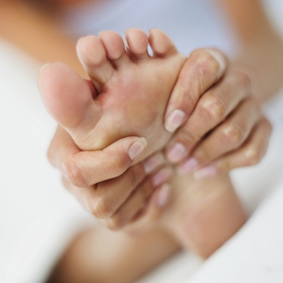 Exercises to improve supination can reduce foot pain.