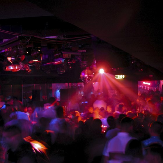 Using a wide variety of advertising methods can quickly pack your nightclub.