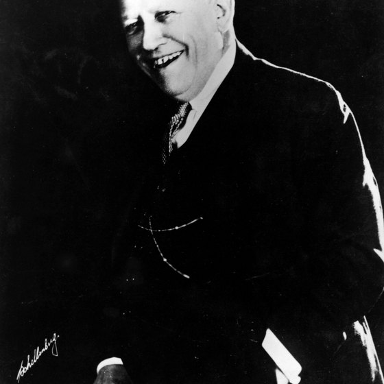 Carl Laemmle opened Universal City in 1915, charging the public 25 cents to watch movies being made.