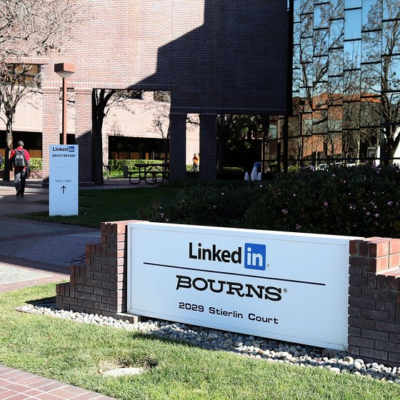 LinkedIn's record in bringing businesspeople together has led to its success.