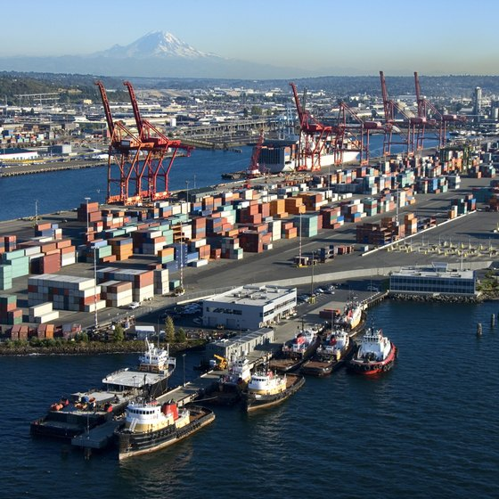 Seattle's northwest Pacific coast location makes it an important commercial port.