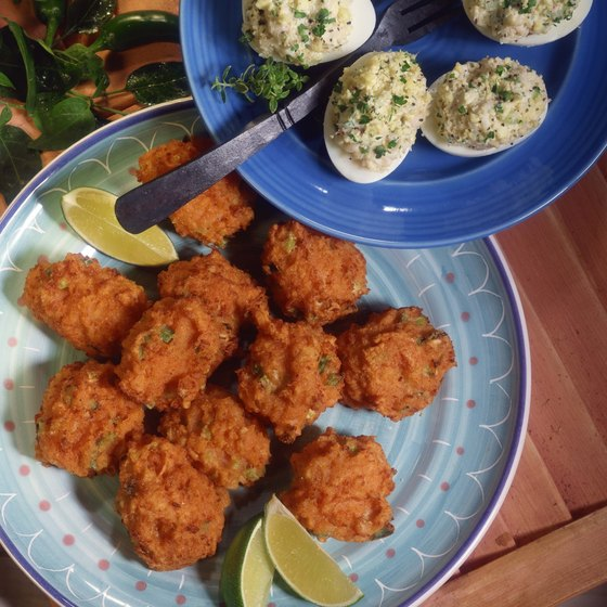 Hushpuppies and conch fritters: favorites at eateries in the Ocala National Forest.