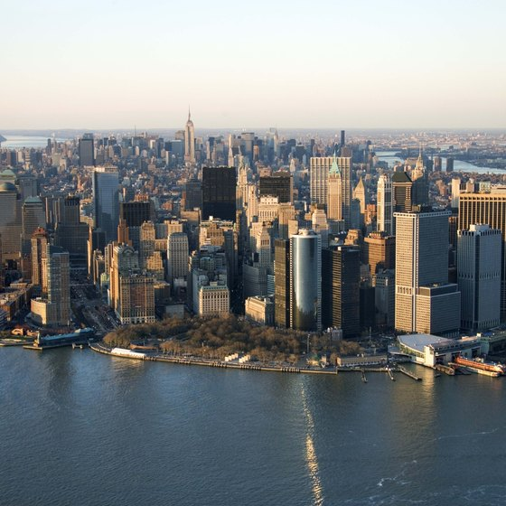 Navigate the journey between the isle of Manhattan and JFK.