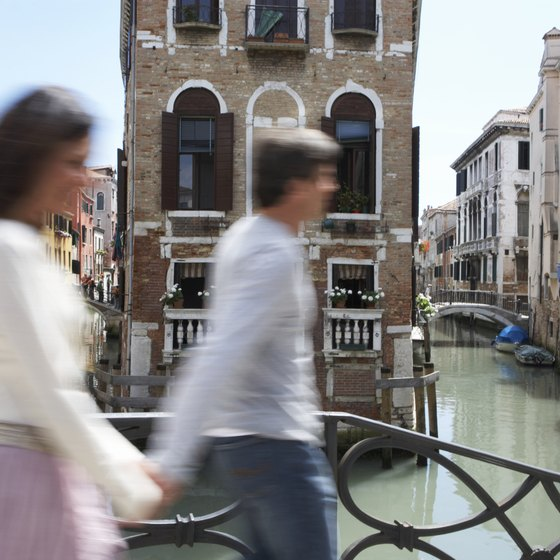 Venice's main thoroughfares are artery canals.