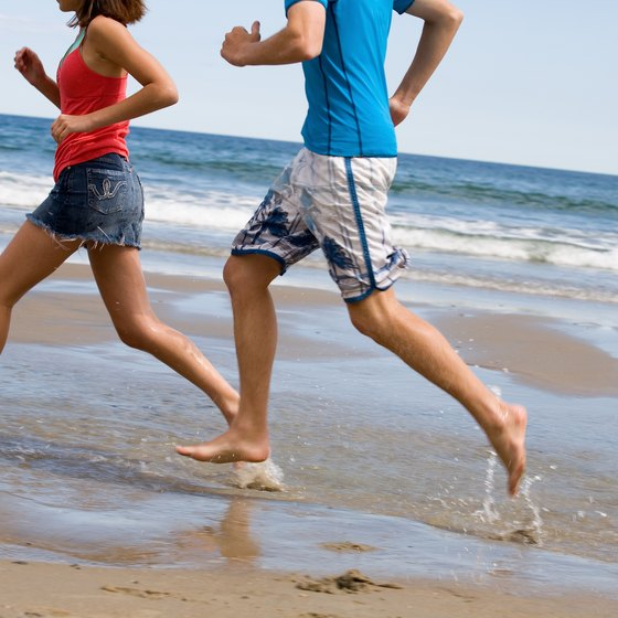 Running barefoot may enhance the benefits of running on wet sand.