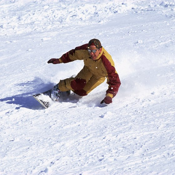 Wintergreen Resort provides snowboading equipment and lessons.