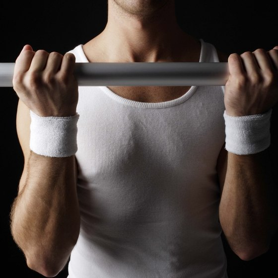 Build bigger forearms with chinups.