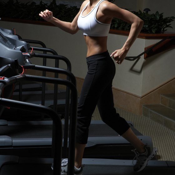 Use both moderately and vigorously intense treadmill workouts to maximize fat loss.
