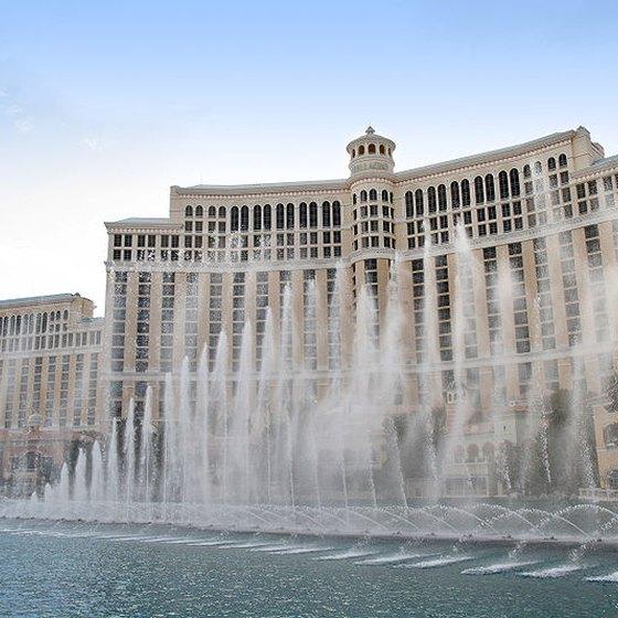 Luxury Hotels Near The Bellagio Fountains