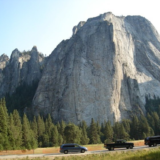Yosemite can surely be explored solo but in order to experience Yosemite in its entirety, a guided tour is ideal.