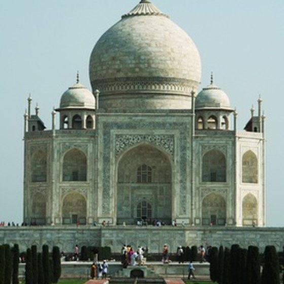 Tourists to India must acquire a travel visa.