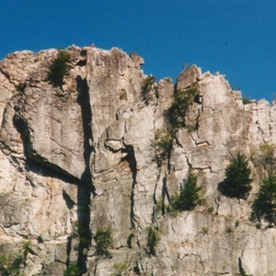 West Virginia's Seneca Rocks provide moderate to difficult climbing opportunities