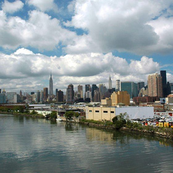 Take a guided tour of Manhattan and New York City.