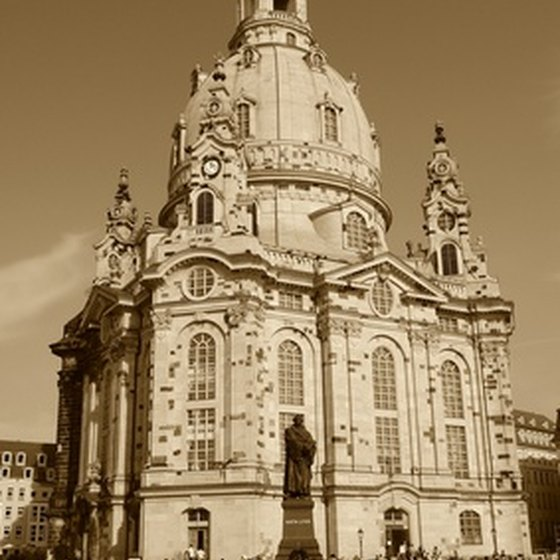 The restored Frauenkirche offers its own guided tours.