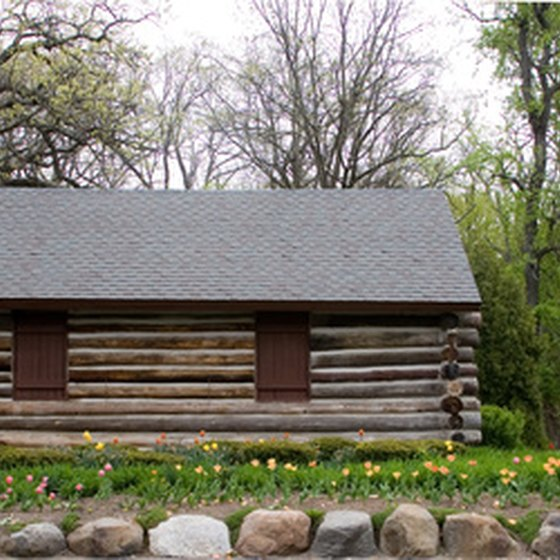 Stay in a log cabin when you visit Kentucky.