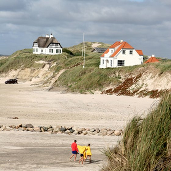 Beach-front property cottages are a relaxing alternative to hotels.