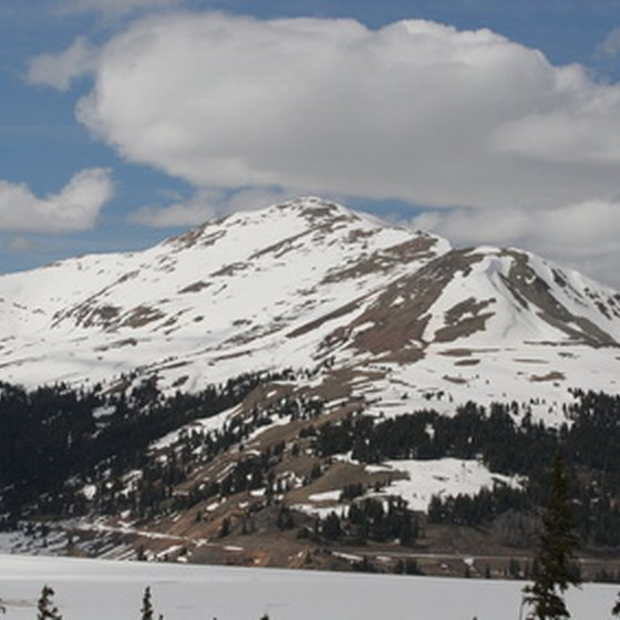 Find a family ski vacation in Colorado.
