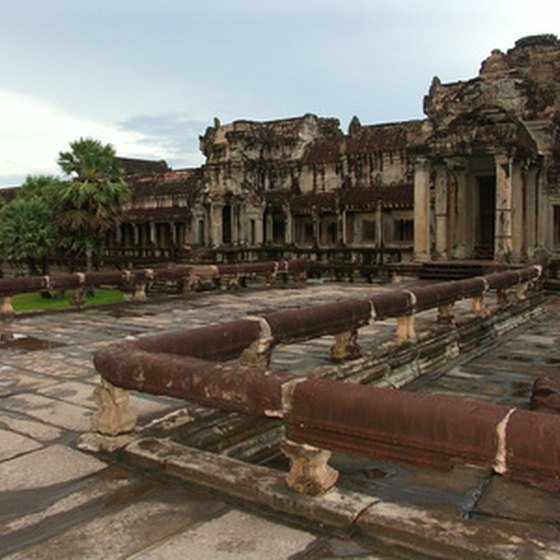 Tourists have a wide range of options for traveling to Angkor Wat, Cambodia's most visited tourist attraction.
