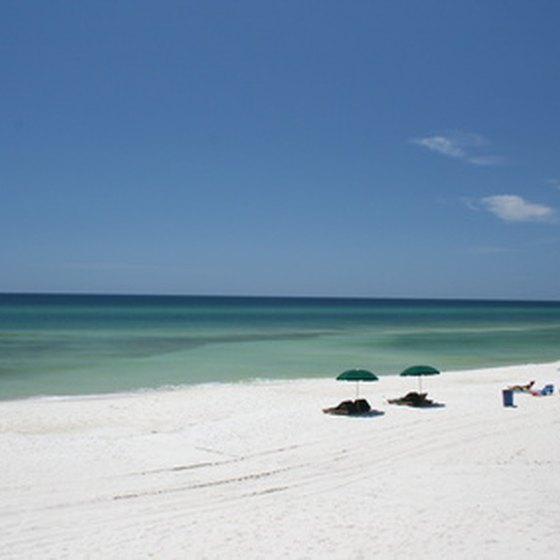Panama city offers coastal activities and beachfront seafood eateries.
