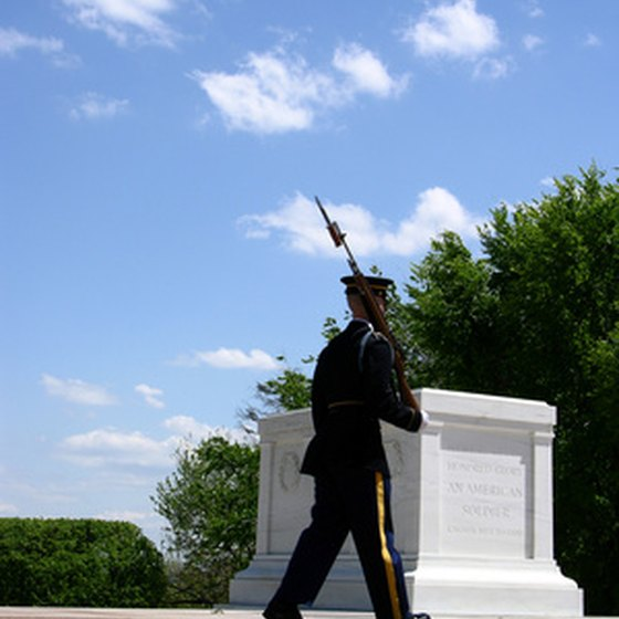 Honor guard at Tomb of the Unknowns