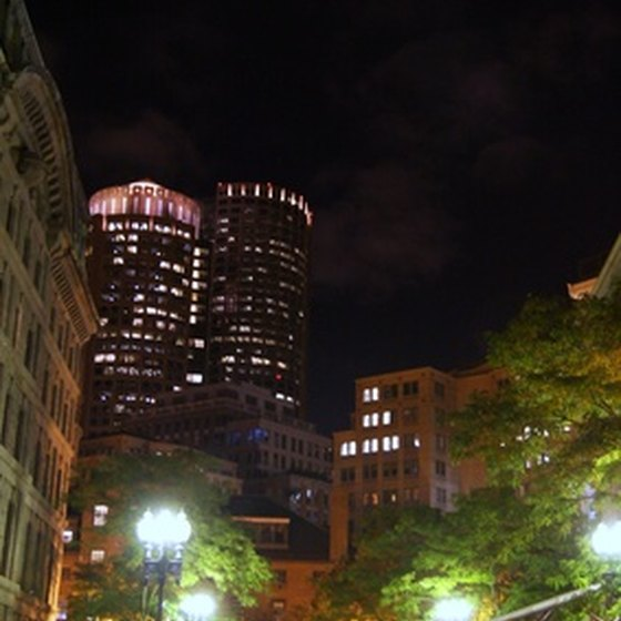 Downtown Boston has many hotels near to area attractions.