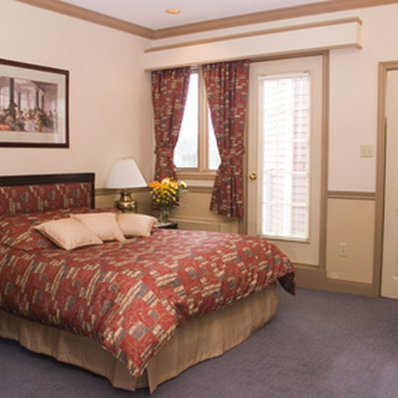 Hotels in Shipshewana, Goshen and Middlebury are nearby popular Indiana state attractions.