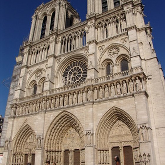 paris france essay Geography france is located in western europe and has an area of approximately 211,000 square miles along with being the capital, paris is.
